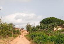 Erosion has taken over the road to Mozano SHS